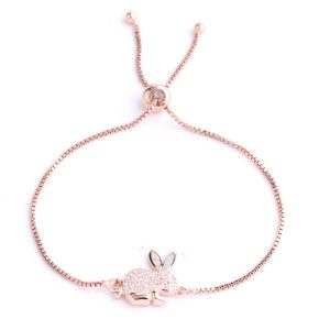 Beau bracelet lapin rose à strass, animal totem
