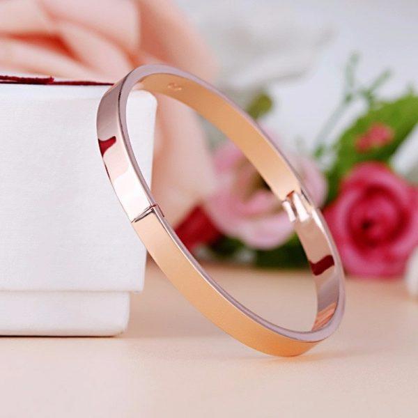 Bracelet rigide rose