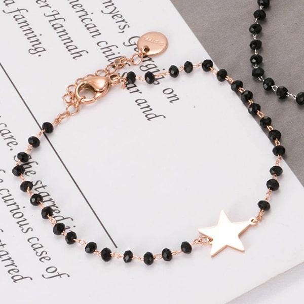 Bracelet rose étoile et perles noir