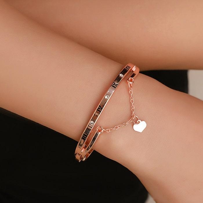 Bracelet rose mariage avec coeur