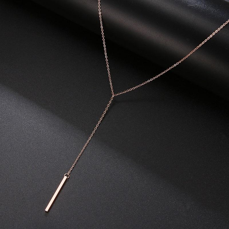 Collier long baton rose gold pour femme