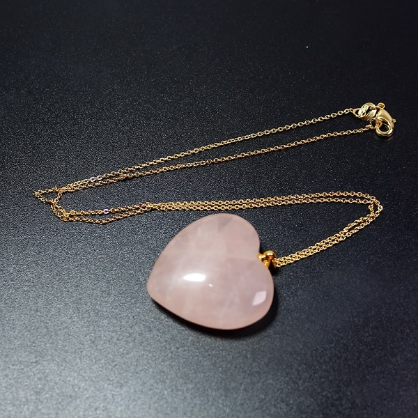 Collier quartz rose coeur