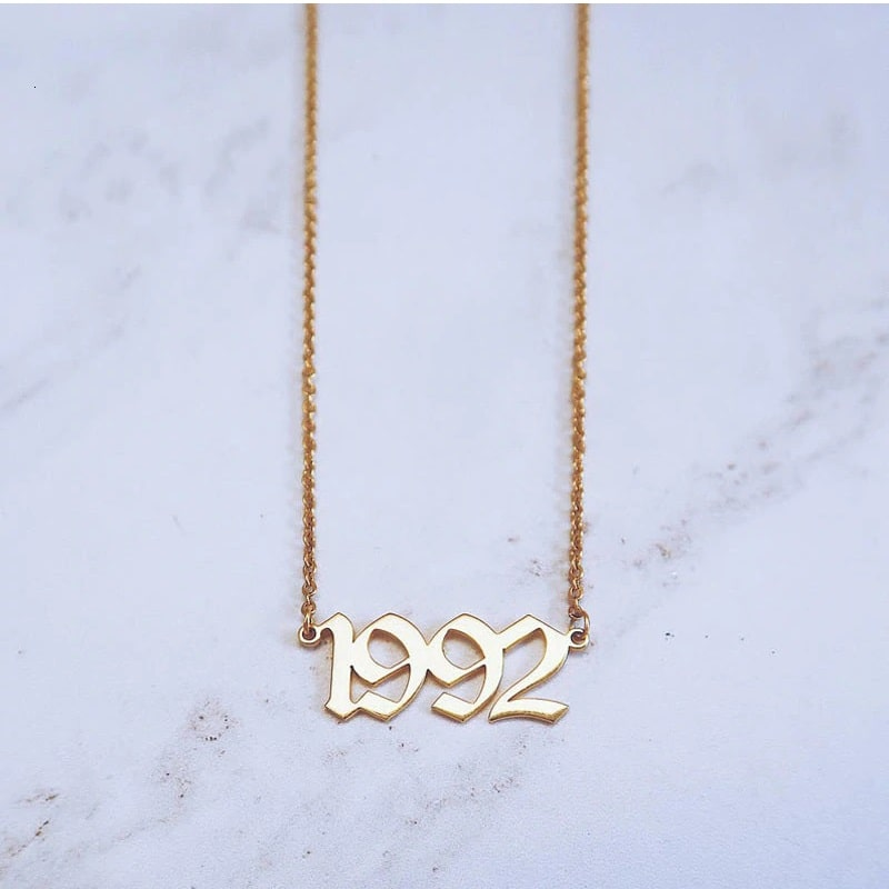 Collier rose date naissance 1992