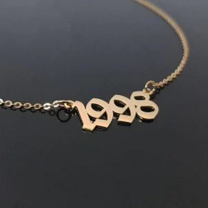 Collier rose date naissance 1998