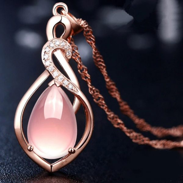 Collier rose mariage