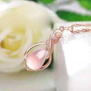 Collier rose mariage pour femme