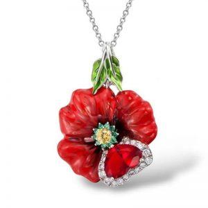 Collier avec une rose rouge