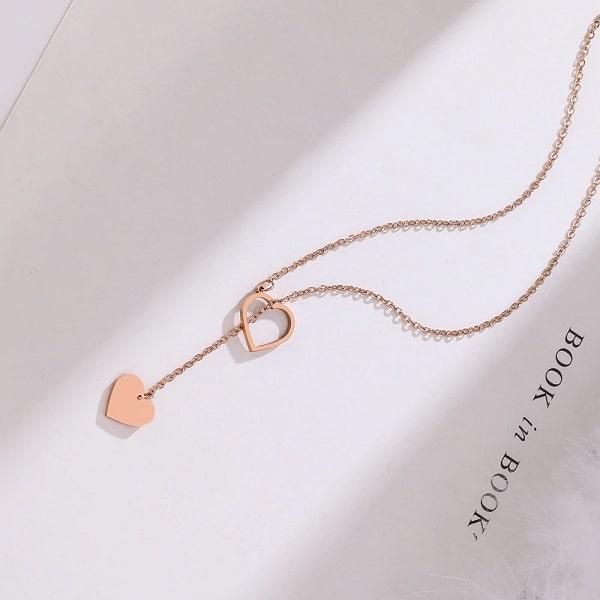 Collier long rose avec coeur