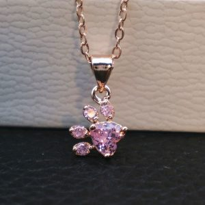 Collier rose patte chat, bijou animal