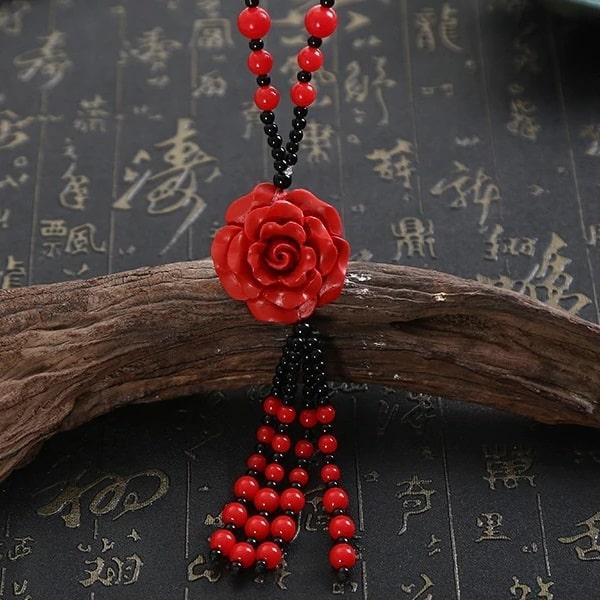 Collier rose rouge et noir