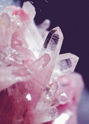 Quelles sont les vertus du quartz rose?