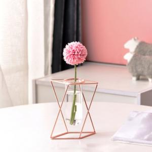 Petit Vase une rose